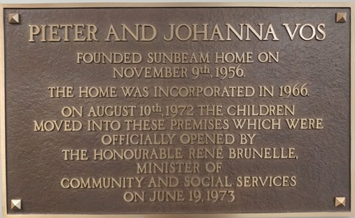 Name plate honouring Pieter and Johanna Vos